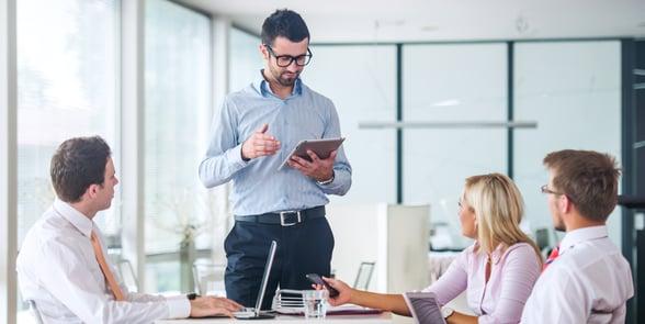 board-meeting-in-a-modern-office_HtLmhCVo.jpg